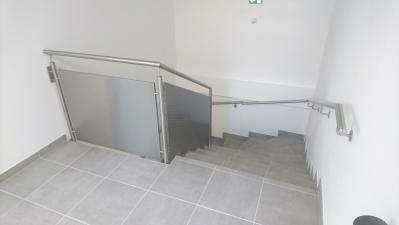 Réalisation d'une rambarde d'escalier design en Inox